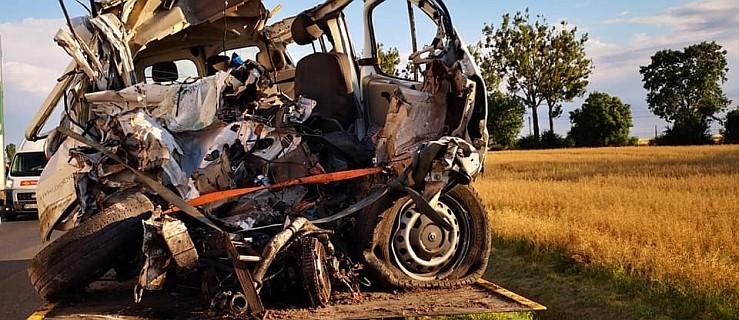 Tragiczny wypadek na trasie Poznań - Oborniki. Nie żyje kierowca busa - Zdjęcie główne