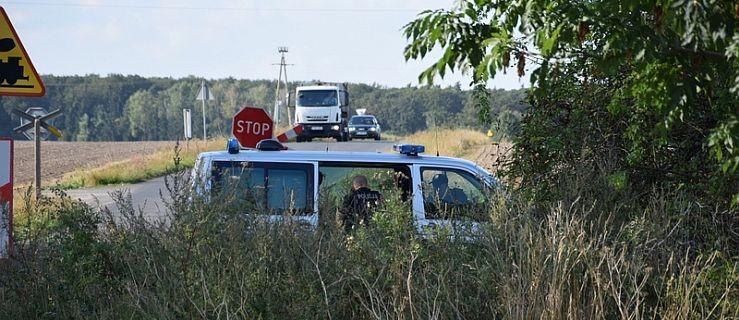 Półnagi mężczyzna stwarzał zagrożenie na drodze  - Zdjęcie główne