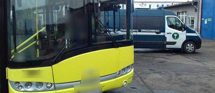 Inspektorzy skontrolowali autobusy komunikacji miejskiej. Oba były niesprawne  - Zdjęcie główne