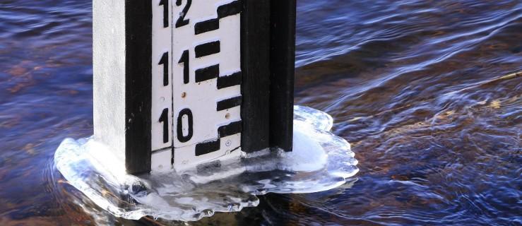 Uwaga na wielką wodę - Zdjęcie główne