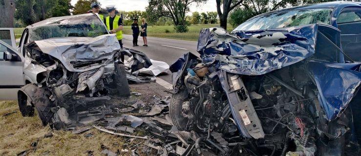 Tragiczne zderzenie osobówek. Nie żyje dwóch kierowców  - Zdjęcie główne