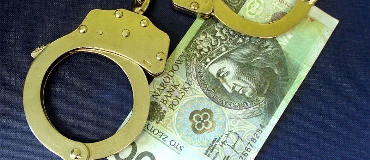 Okradł rodziców na 25 tysięcy złotych. Wydał je na hazard i narkotyki  - Zdjęcie główne