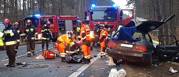 DK 11 zablokowana. Tragiczny wypadek z udziałem ciężarówki [ZDJĘCIA] - Zdjęcie główne
