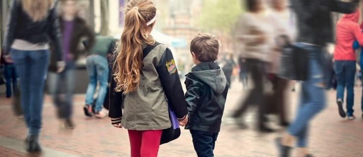 Przedświąteczna zawierucha. Nie daj się zgubić dziecku. Trzy proste kroki [WARTO WIEDZIEĆ]  - Zdjęcie główne