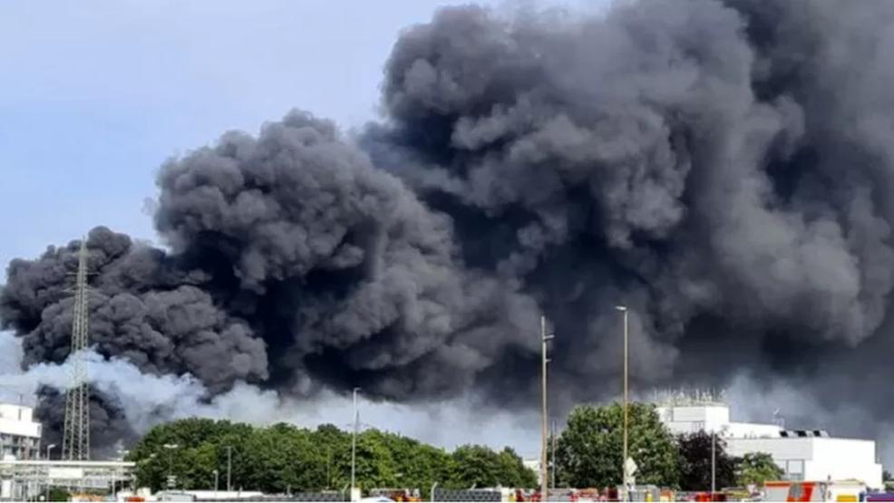 Poważny wybuch w Niemczech. Czy skażone powietrze dojdzie do Wielkopolski? - Zdjęcie główne