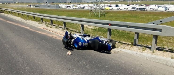 Nie żyje młody motocyklista. Uderzył w barierki  - Zdjęcie główne